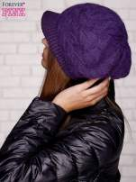 Fioletowa dziergana czapka z daszkiem                                  zdj.                                  2