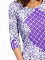 Fioletowa sukienka z koronkowym i kraciastym nadrukiem                                  zdj.                                  5