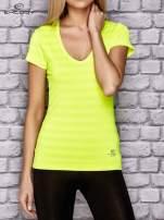 Fluożółty damski t-shirt sportowy w paski                                                                          zdj.                                                                         1