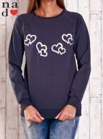 Grafitowa bluza z motywem serduszek