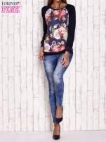 Granatowa bluza z kwiatowym motywem                                                                          zdj.                                                                         2
