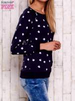 Granatowa bluza z nadrukiem jabłuszka                                                                          zdj.                                                                         3