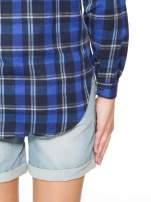 Granatowa damska koszula w kratę z kieszonkami                                  zdj.                                  6