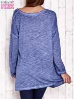 Granatowa dekatyzowana bluzka oversize z łapaczem snów                                  zdj.                                  4