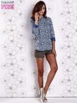 Granatowa koszula w panterkę z podwijanymi rękawami                                  zdj.                                  4