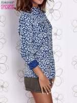 Granatowa koszula w panterkę z podwijanymi rękawami                                  zdj.                                  3