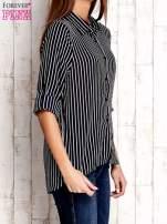 Granatowa koszula w paski z podwijanymi rękawami                                  zdj.                                  3