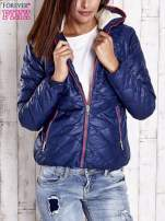 Granatowa pikowana kurtka z futrzanym ociepleniem                                   zdj.                                  1