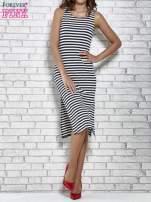 Granatowa sukienka w paski z rozcięciami                                   zdj.                                  2