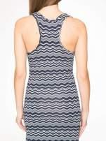 Granatowa sukienka we wzór zig-zag z frędzlami na dole                                  zdj.                                  8