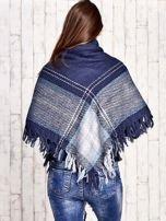 Granatowo-niebieska dzianinowa chusta z frędzlami                                  zdj.                                  2