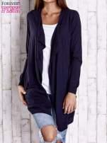 Granatowy długi niezapinany sweter z kieszeniami                                                                          zdj.                                                                         1