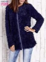 Granatowy futrzany sweter kurtka na suwak                                  zdj.                                  5