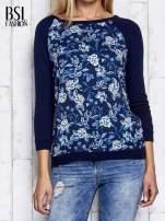Granatowy kwiatowy sweter z łączonych materiałów                                  zdj.                                  7