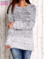 Granatowy melanżowy sweter long hair                                  zdj.                                  1