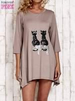 Jasnobrązowa tunika dresowa z aplikacją kotów z cekinów                                                                          zdj.                                                                         1