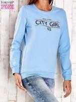 Jasnoniebieska bluza z napisem CITY GIRL                                  zdj.                                  3
