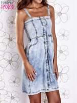 Jasnoniebieska dekatyzowana sukienka jeansowa z kieszeniami                                  zdj.                                  1