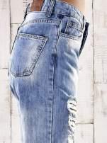 Jasnoniebieskie spodnie boyfriend jeans z dziurami                                  zdj.                                  5