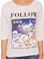 Jasnoróżowa bluzka z napisem FOLLOW YOUR DREAMS                                  zdj.                                  8