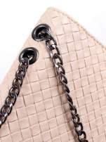 Jasnoróżowa mała pleciona torebka na łańcuszku                                  zdj.                                  6