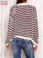 Jasnoróżowy otwarty sweter w paski                                  zdj.                                  2
