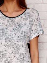 Jasnoszary t-shirt w kwiaty                                  zdj.                                  5