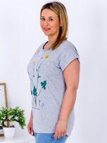 Jasnoszary t-shirt z jaskrami PLUS SIZE                                  zdj.                                  3