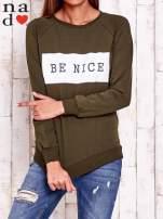 Khaki bluza z napisem BE NICE                                  zdj.                                  1