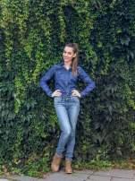 Klasyczna ciemnoniebieska jeansowa koszula z kieszonkami                                  zdj.                                  11