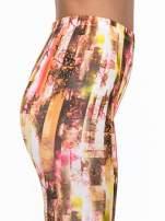 Kolorowe legginsy z graficznym nadrukiem                                  zdj.                                  5