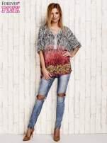 Koralowa wzorzysta koszula oversize z dekoltem z cyrkonii                                  zdj.                                  4
