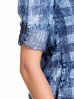 Kraciasta marmurkowa koszula z jeansu