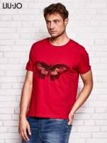 LIU JO Ciemnoczerwony t-shirt męski z motylem                                  zdj.                                  3