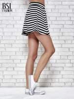 Mini spódnica skater w biało-czarne paski                                  zdj.                                  3