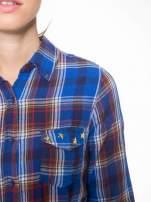 Niebieska koszula w kratę z gwiazdkami przy kieszonkach