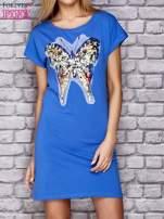 Różowa sukienka z cekinowym motylem                                                                          zdj.                                                                         1