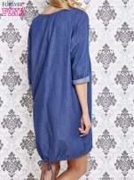 Niebieska sukienka z napisem BE HAPPY                                  zdj.                                  2
