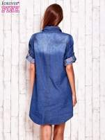 Niebieska sukienkokoszula z kieszeniami i podwijanymi rękawami                                  zdj.                                  4