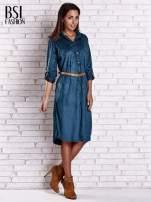 Niebieska zamszowa sukienka z rozcięciami po bokach                                  zdj.                                  2