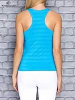 Niebieski top sportowy V-neck w paseczki                                                                          zdj.                                                                         4