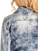 Niebieskia kurtka jeansowa damska marmurkowa z kieszeniami                                                                          zdj.                                                                         6