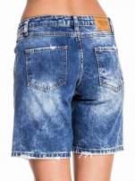 Niebieskie jeansowe szorty z dłuższą nogawką                                  zdj.                                  2
