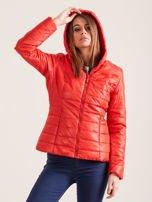 Pomarańczowa pikowana kurtka z kapturem                                  zdj.                                  3
