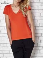 Pomarańczowy t-shirt sportowy termoaktywny z dekoltem V                                  zdj.                                  1