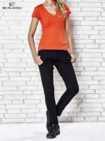 Pomarańczowy t-shirt sportowy termoaktywny z dekoltem V                                  zdj.                                  4