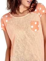 Pomarańczowy t-shirt z kieszonką w groszki