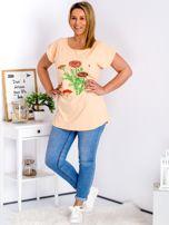 Pomarańczowy t-shirt z kwiatowym printem PLUS SIZE                                  zdj.                                  4