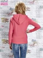 Różowa bluza z kapturem i napisem HONOUR                                  zdj.                                  5