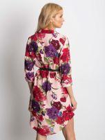 Różowa sukienka koszulowa w duże kwiaty                                  zdj.                                  2